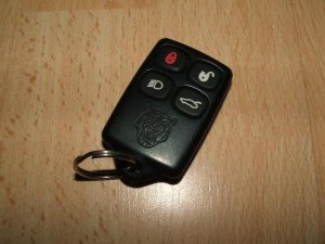 XK8 Parts Review - Programme your Key Fob